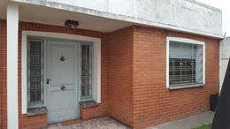 Foto thumbnail Casa en Venta en  Lomas de Zamora Oeste,  Lomas De Zamora  FRAY LUIS BELTRAN al 800