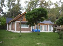 Foto Casa en Venta en  Cinco Saltos,  General Roca  Barrio Indupa, Cinco Saltos