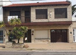 Foto Local en Alquiler en  Berisso ,  G.B.A. Zona Sur  Av. Montevideo E/ 28 y 29