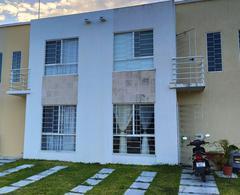 Foto Casa en Venta en  Playa del Carmen,  Solidaridad  CASA DE 3 REC. FRENTE A LA ALBERCA AMUEBLADA