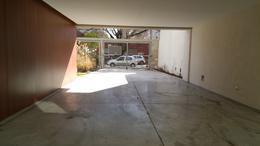 Foto thumbnail Cochera en Alquiler en  Moron Sur,  Moron  Garcia Silva al 600