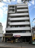 Foto Departamento en Venta | Alquiler en  Alberdi,  Cordoba  3 Dormitorios - Edificio c/ Pileta y Quincho - B° Alberdi