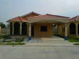 Foto Casa en condominio en Venta en  Res. El Bosque,  San Pedro Sula  Casa en Venta Res. El Bosque Modelo Laurel