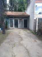 Foto Casa en Venta en  Luis Guillon,  Esteban Echeverria  CAMINO DE CINTURA  GUILLON
