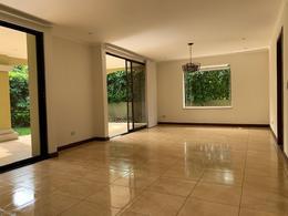 Foto Casa en condominio en Venta en  Pozos,  Santa Ana  Pozos de Santa Ana/ Gym y Tenis/ Amenidades/ Electrodomésticos/ Esquinera
