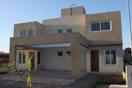 Foto Casa en Venta en  Lomas del Chateau,  Cordoba Capital  Oportunidad! Lomas de Chateau - 2 DOR - Duplex Exc. Ubicación!LA RIOJA  al 6000