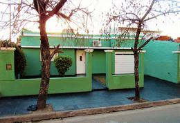 Foto Casa en Venta en  Villa Mafekin,  Cordoba Capital  Buceo al 500