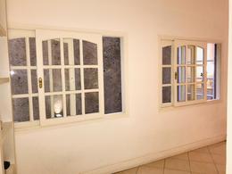 Foto Departamento en Alquiler en  Retiro,  Centro  Tres Sargentos al 400
