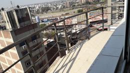 Foto Departamento en Alquiler en  Nueva Cordoba,  Capital  Bv. Illia al 600 - PISO ALTO -  EXCELENTE VISTA