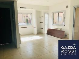 Foto PH en Venta en  Adrogue,  Almirante Brown  LA ROSA 1067