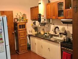Foto Casa en Venta en  Adrogue,  Almirante Brown  ROSALES 215 ESQUINA PELLEGRINI