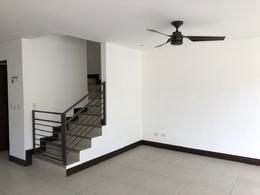 Foto Casa en condominio en Venta en  Escazu,  Escazu  Guachipelin Norte/ Casa de 3 habitaciones/ Vistas/ Seguridad/ Fácil acceso / Tranquilidad