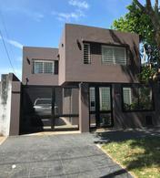 Foto Casa en Venta en  Lomas de Zamora Oeste,  Lomas De Zamora  Sixto Fernandez al 400