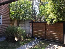 Foto thumbnail Casa en Venta en  City Bell,  La Plata  28 esquina 475