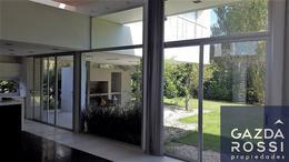 Foto thumbnail Casa en Venta | Alquiler en  El Centauro,  Countries/B.Cerrado  Sargento Cabral al 2700