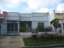 Foto thumbnail Casa en Venta en  Lomas de Zamora Oeste,  Lomas De Zamora  JOSÉ VERDI 100