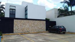Foto Departamento en Renta en  Fraccionamiento Montebello,  Mérida  Rento Townhouse amueblado  Fracc. Montebello