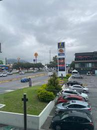 Foto Local en Venta en  Villa Las Fuentes,  Monterrey  LOCAL COMERCIAL EN AVENIDA EUGENIO GARZA SADA PLAZA LAS VILLAS EN MONTERREY NUEVO LEON