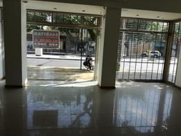 Foto Local en Venta | Alquiler en  Capital ,  San Juan  Avda. Libertador Gral. San Martín Este  al 500