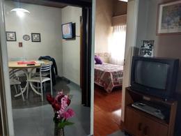 Foto Casa en Venta en  Lomas de Zamora Oeste,  Lomas De Zamora  Laprida 2415