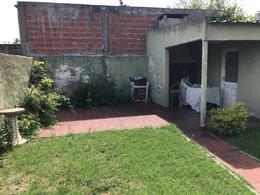 Foto Casa en Venta en  Temperley Este,  Temperley  ESTANISLAO ZEBALLOS 130