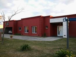 Foto Casa en Venta en  El Nacional Club De Campo,  Countries/B.Cerrado (G. Rodriguez)  El Nacional Club De Campo