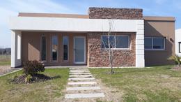 Foto Casa en Venta en  Barrio El Aljibe,  Countries/B.Cerrado (Manzanares)  Hermosa Casa a Estrenar