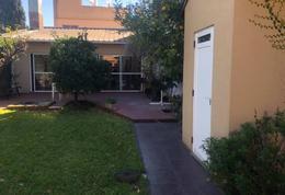 Foto Casa en Venta en  Valentin Alsina,  Lanús  ITAPIRU al 800