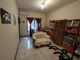 Foto Casa en Venta en  Haedo Norte,  Haedo  Puan al 600