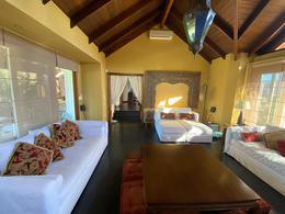 Foto Casa en Venta en  Lomas de Carrasco,  Countries/B.Cerrado (Carrasco)  Lomas de La Tahona, espectacular casa