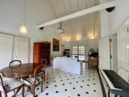 Foto Casa en Venta en  Fisherton,  Rosario  Imponente casa en el corazón de Fisherton