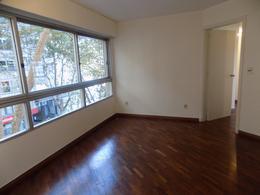 Foto Departamento en Alquiler en  Pocitos ,  Montevideo  Av. Brasil y Rambla