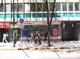 Foto Local en Alquiler en  Recoleta ,  Capital Federal  Av. Santa Fé  al 851