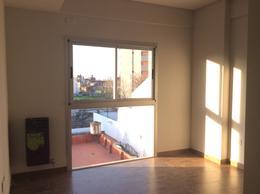 Foto Departamento en Alquiler en  Liniers ,  Capital Federal  José E. Carballido al 6300
