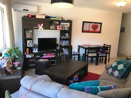Foto Apartamento en Alquiler en  Aguada ,  Montevideo  Al frente y muy luminoso