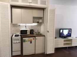 Foto Departamento en Alquiler en  Recoleta ,  Capital Federal  Suipacha 1100