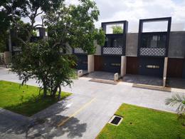 Foto Departamento en Renta en  Chuburna de Hidalgo,  Mérida  En renta nuevo y equipado townhouse en el norte de Mérida. Cerca de las vías y las amenidades más importantes.