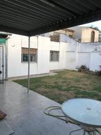 Foto Casa en Venta en  Poeta Lugones,  Cordoba Capital   POETA LUGONES CASA 3 DORM COCHERA PATIO  VENDO