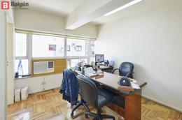 Foto Oficina en Venta en  Tribunales,  Centro  Montevideo al 700