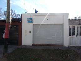 Foto Local en Alquiler en  Belgrano,  Rosario  ZUVIRIA al 6000