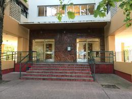 Foto Departamento en Venta en  La Plata ,  G.B.A. Zona Sur  diagonal 80 Nº al 300