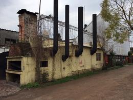 Foto Local en Venta en  Centro De Lujan,  Lujan  Lezica y Torrezuri Nº 659