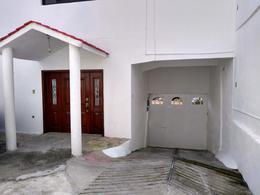 Foto Casa en Venta en  El Cóporo,  Toluca  Casa Sola en Venta Cerca del Centro de Toluca, Col. Azteca