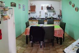 Foto PH en Venta en  Lanús Oeste,  Lanús  Pasaje Bermejo al 600