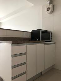 Foto Departamento en Alquiler en  Pocitos ,  Montevideo  Apartamento de 1 dormitorio al frente, próximo a Plaza Gomensoro