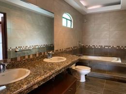 Foto Casa en Venta en  Santana,  Santa Ana  Santa Ana Centro/ 4 habitaciones/ Sin gastos de seguridad