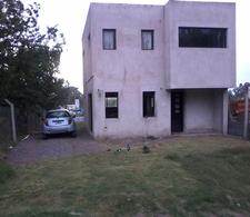 Foto Casa en Venta en  La Plata ,  G.B.A. Zona Sur  427 139 y 140