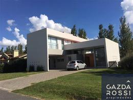 Foto Casa en Venta en  El Centauro,  Countries/B.Cerrado  Sargento Cabral al 2700