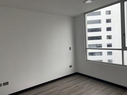 Foto Departamento en Alquiler en  La Carolina,  Quito  BELGICA Y SHYRIS