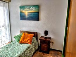 Foto Departamento en Alquiler temporario en  Centro,  Pinamar  Toninas 65 E/ Artes y Av. Bunge